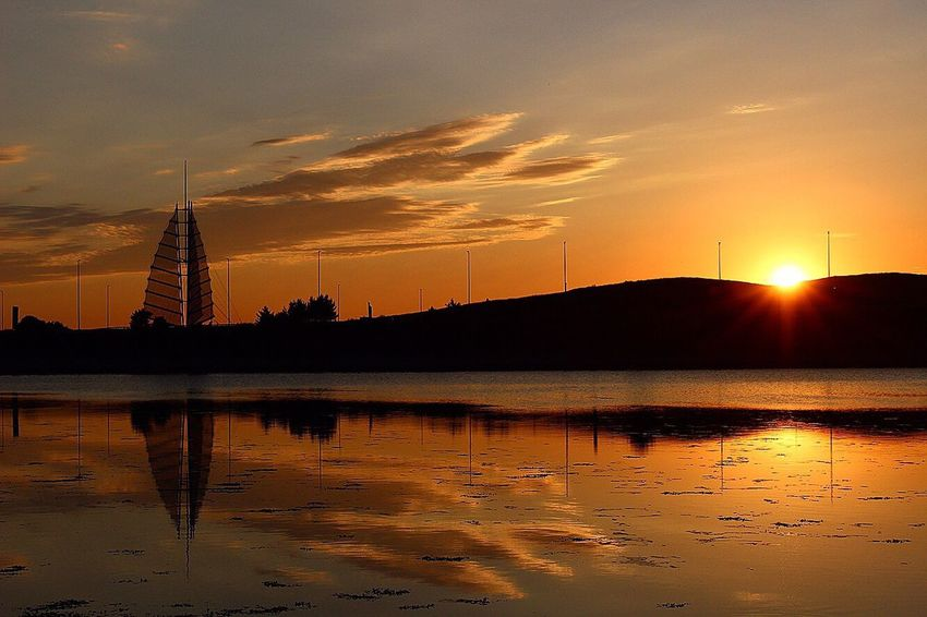 Sunset Orange Color Reflection Silhouette Sun Sky No People Water Beauty In Nature Sunlight