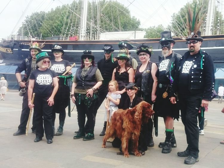 @BoxHillBedlam (and mascot) at the @SquireGMM danceout Greenwich Morris