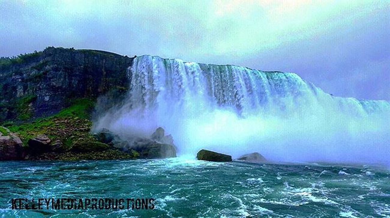 Niagara Falls, NY. Kelleymediaproductions Art Nature Naturephotography Water Waterfall Niagarafalls Niagara Color Colorphotography Photography Photooftheday Photographersofinstagram Sky Clouds Stayrad
