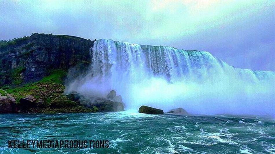 Niagara Falls, NY. Kelleymediaproductions Art Nature Naturephotography Water Waterfall Niagarafalls Niagara Color Colorphotography Photography Photooftheday Photographersofinstagram Sky Clouds Stayrad
