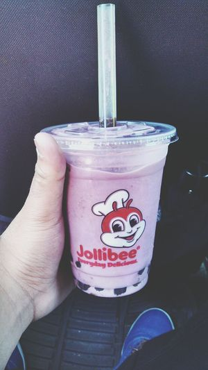 Jollibee ube bubble tea! Foodporn Jollibee