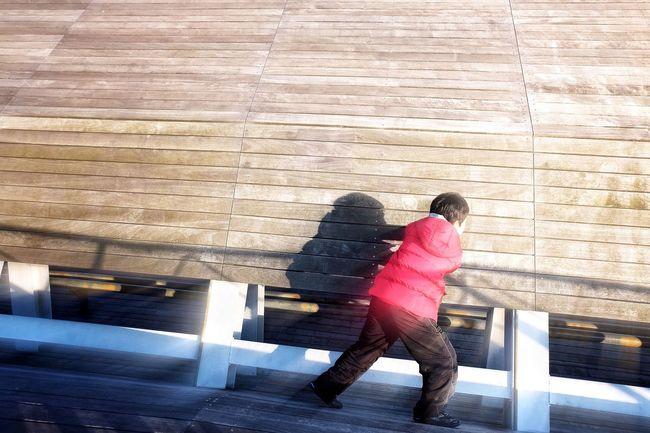 Precision EyeEm Best Shots Child EyeEm Tokyo Meetup 7 Minimalism Kid Light And Shadow Shadow Beautiful Day Share Your Adventure