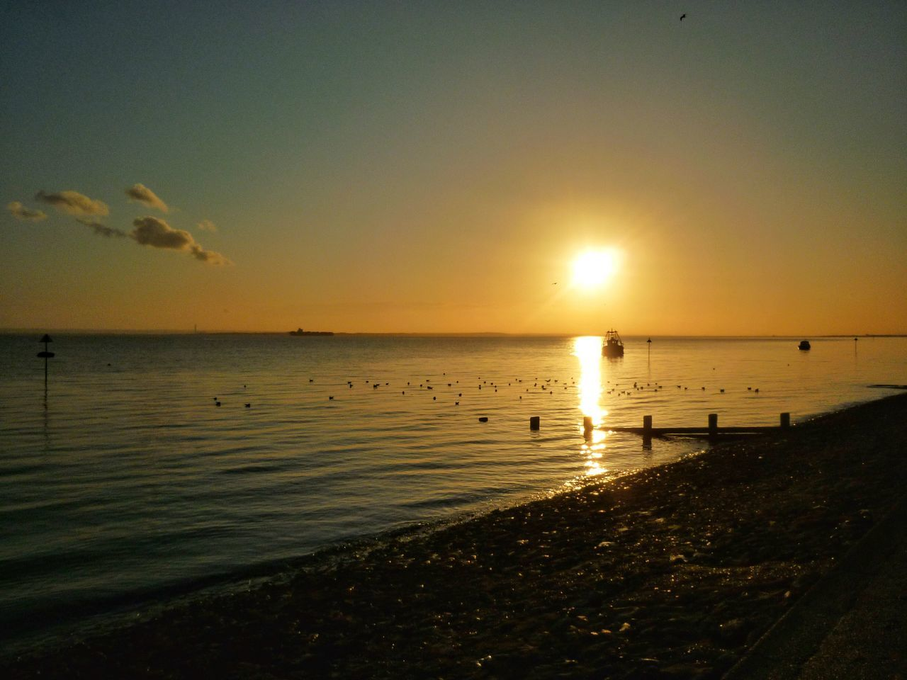 Sun setting on Southend beach. Sea Sun, Sea, Sky Sea And Sun Seascape Tide Sun On The Sea Sun On The Water Sun On Water  Sunset Sun Southend On Sea Southend Seafront Southend Seafront Sea Front Seaside Sea And Sky The Great Outdoors - 2016 EyeEm Awards