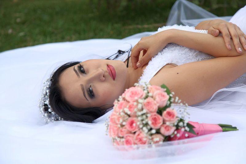 My Wife On Galaxy Note 4 Beautiful Dress  Wedding Day Relaxation Taraz Kazakhstan Kz The Portraitist - 2017 EyeEm Awards