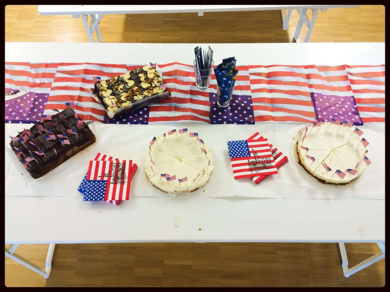 Hurry back from lunch and grab some yummy Cake & Brownies ! :)) 4th Of July