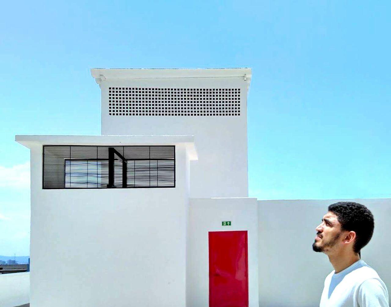 Reddoor Whitewalls  Architecturelovers Architecturephotography Architectureporn Minimalmood Minimalistic Details Sao Paulo - Brazil Architecture Details