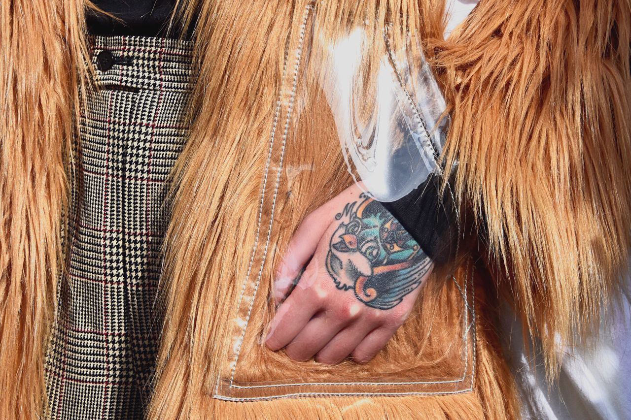Art Is Everywhere Tattoo Detail Mode Hand Style People Close-up Fashion Fashionweek Real People Break The Mold