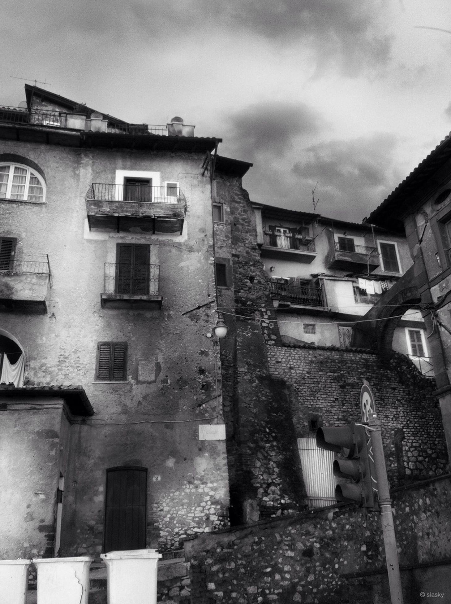 ruined, deterioration, abandoned, obsolete, destruction