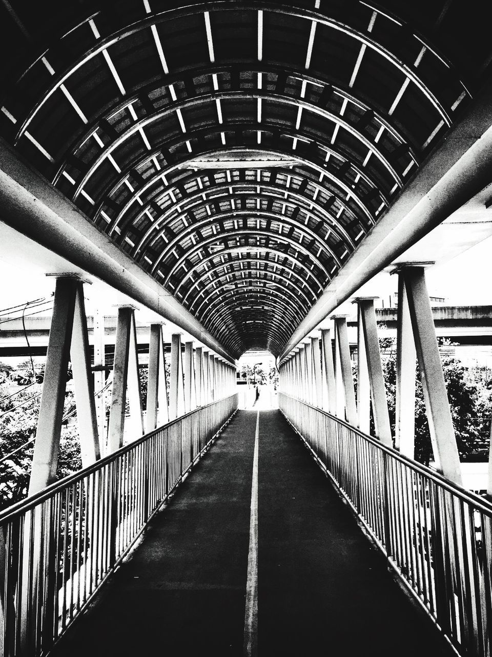 railing, architecture, diminishing perspective, built structure, bridge - man made structure, indoors, transportation, connection, day, the way forward, modern, footbridge, no people