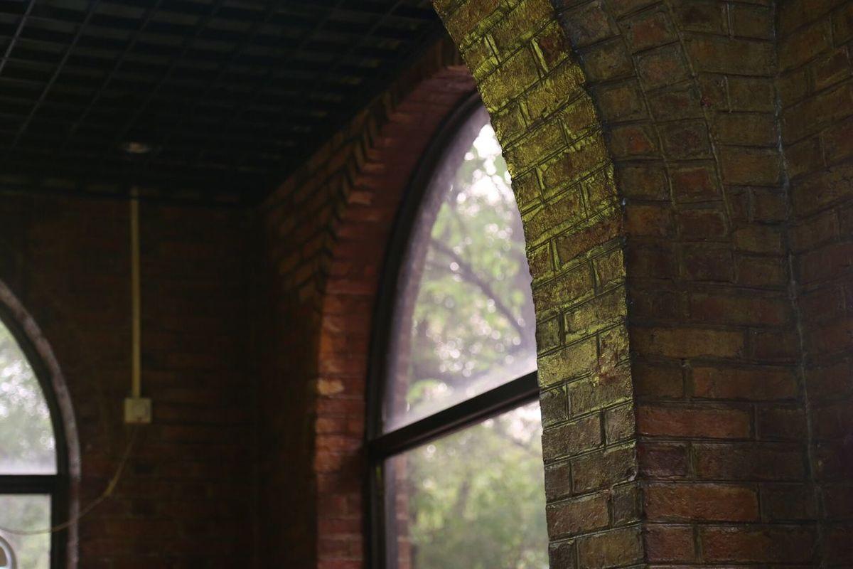 Old Budin buding Bric brick