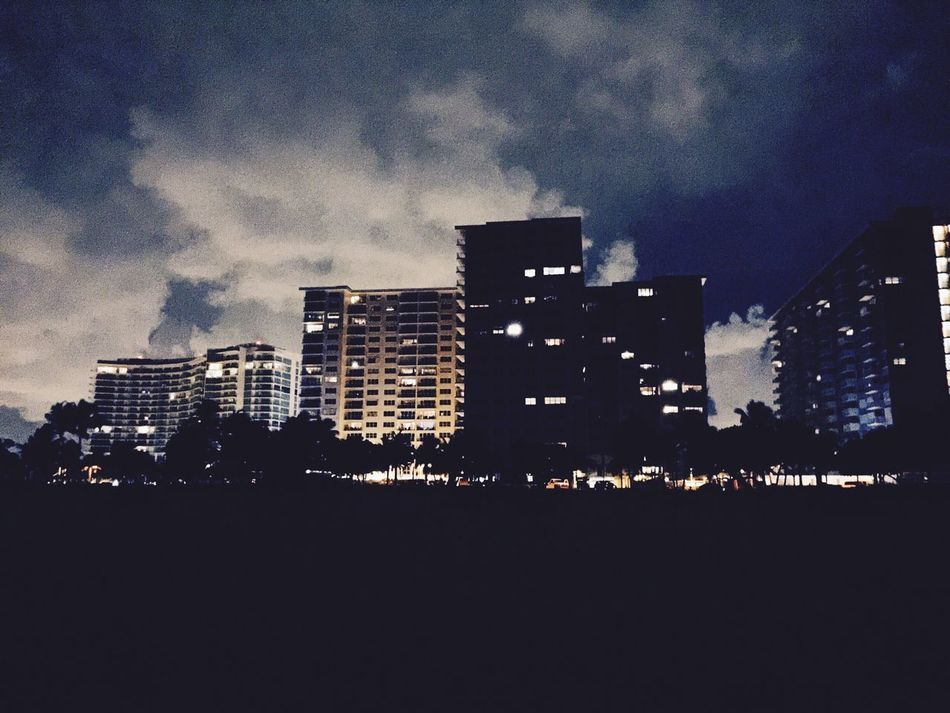 Enjoying The Sights On A Stroll Cityscapes City Lights Mybackyard Life Is A Beach On A Date