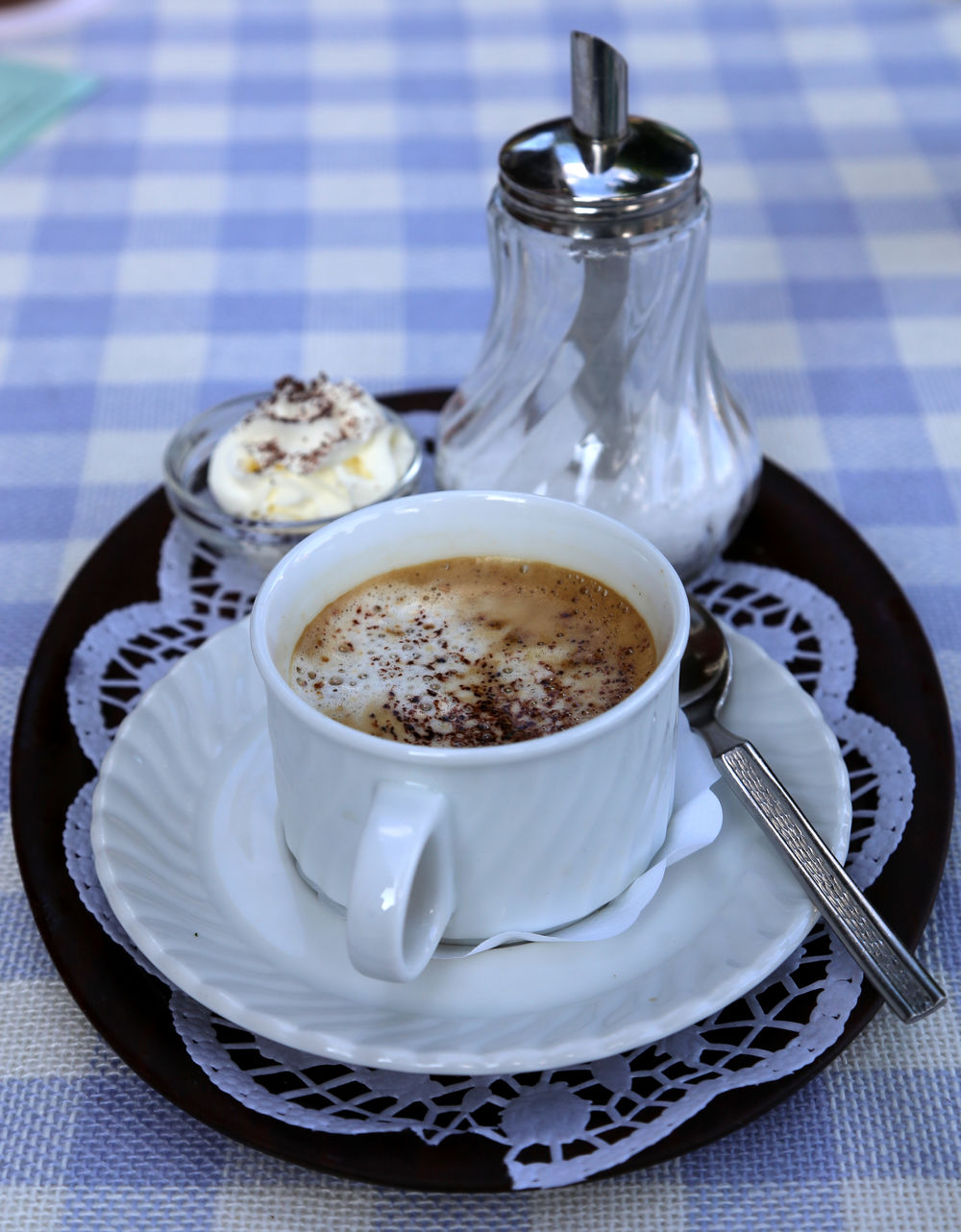 Cappuccino with cream Close-up Coffee - Drink Coffee Cup Day Draußen Nur Kännchen Drink Food Food And Drink Freshness Healthy Eating High Angle View Indoors  Indulgence No People Ready-to-eat Refreshment Saucer Table Tablecloth Prissy Bourgeois Old-fashioned Style Old-school Old-Style