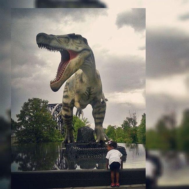 This little girl LovesDinosaurs !!! ShesSoBrave SheMayBeLittleButSheIsFierce DinosaursAroundTheWorld ClintonLibrary LilosWorld