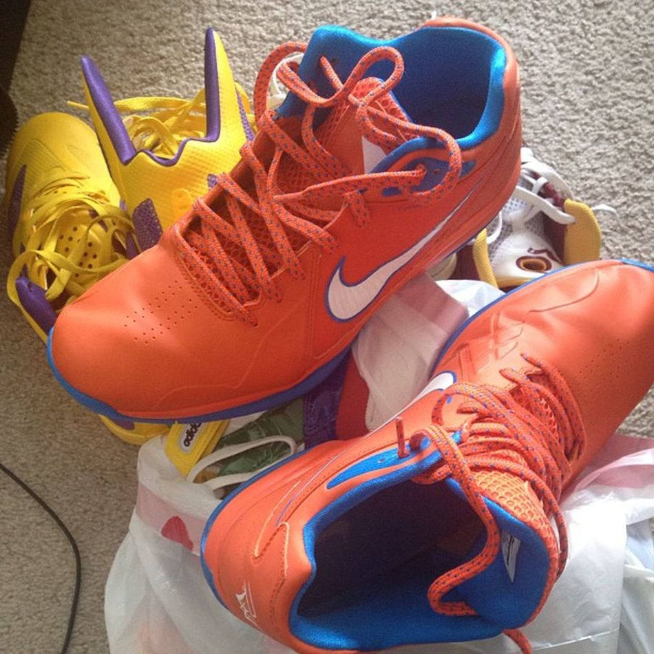 Gathering up some heat to donate to my mother-in laws charity thrift shop. Nike Flight Westbrookedition Hyperfuse LOedition KDIVs Redskin & some Adidas exclusives pt. 1humanitarian heat igsneakercommunity sneakerhead heatalert