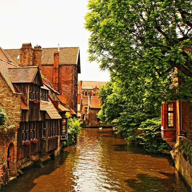 Photographed by srdrkrkz #bruges #brugge #flandra #belgium #paris #france #moselle #seille #photooftheday  #instamood  #beautiful  #picoftheday  #instadaily  #follow  #happy  #bestoftheday  #canon Moselle Seille Paris Flandra Beautiful Happy France Canon Belgium Brugge Photooftheday Picoftheday Follow Instamood Bestoftheday Bruges Instadaily