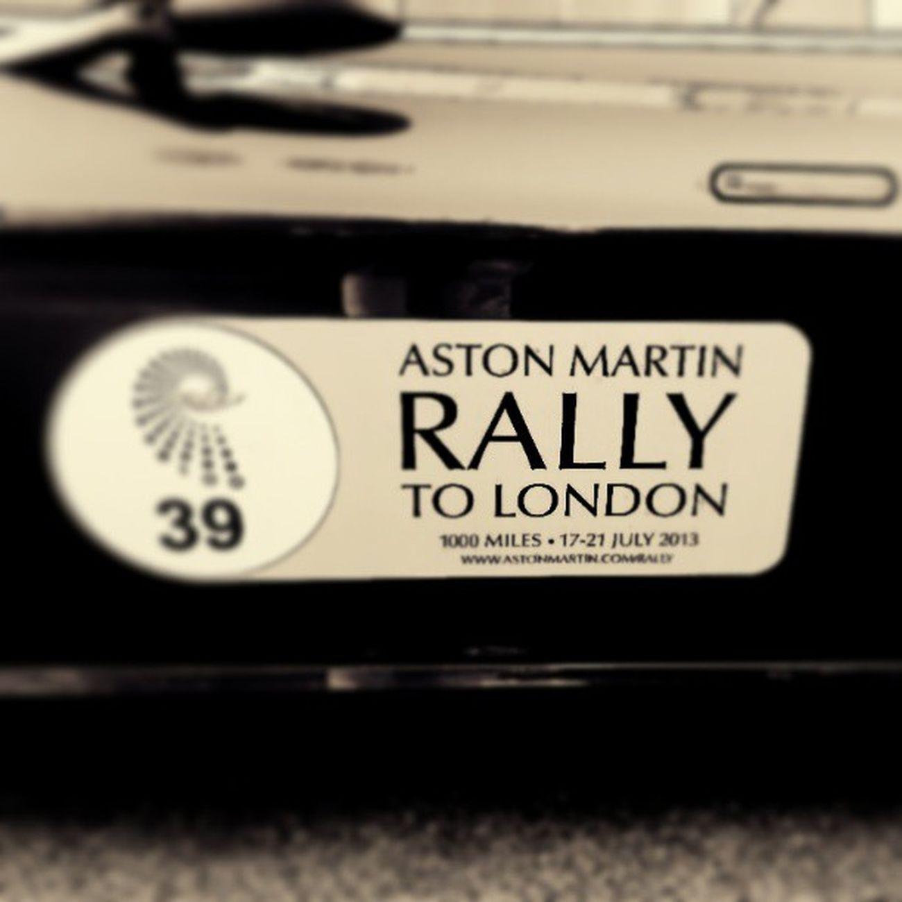 acabadinho de chegar de um rally muito exclusivo Astonmartin Aston Rally