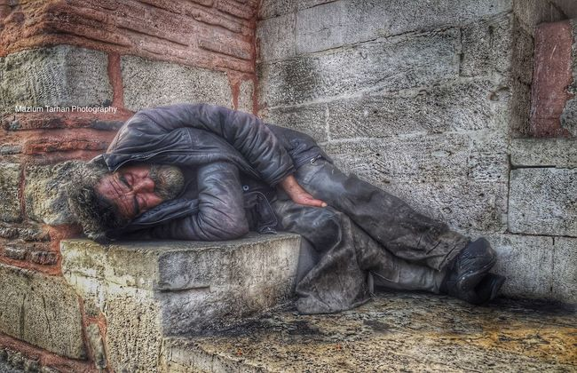 Homeless 😔 evsiz Street Photography HDR Photography Hdr Edit First Eyeem Photo Eye4photography  Hdrphotography Hdr_Collection HDR Collection Istanbuldayasam Life Popular Photos Hdr_gallery IPhoneography IPhone Iphoneonly Streetphotography Streetphoto_color Homeless Sokakfotografi Streetphoto Street Portrait Portrait It's Cold Outside Portraits