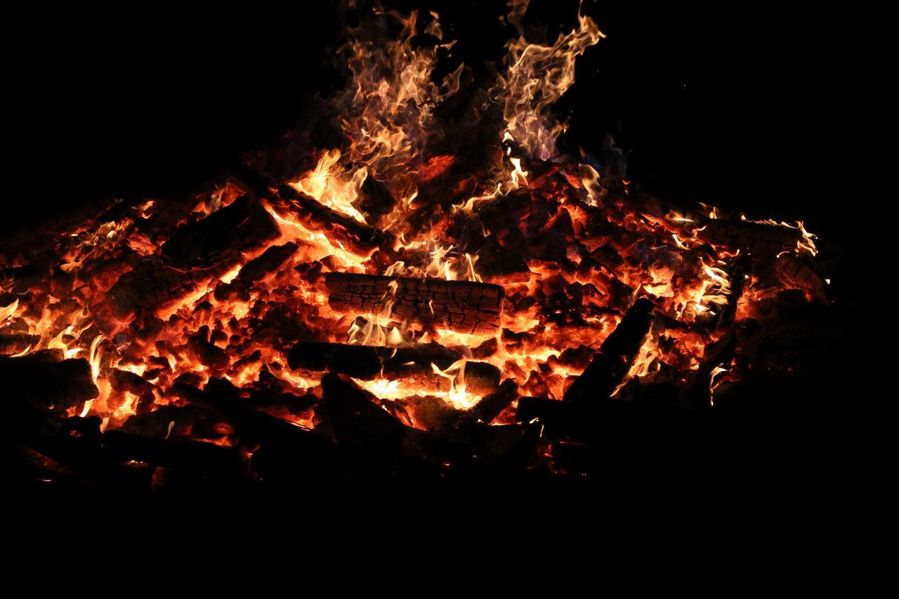 Campfire Campfire#nature# EyeEm Best Shots EyeEm Campfires EyeEm Gallery Fire Fireplace Light And Shadow Lightart Lowlight Lowlightphotography Night Lights Open Edit
