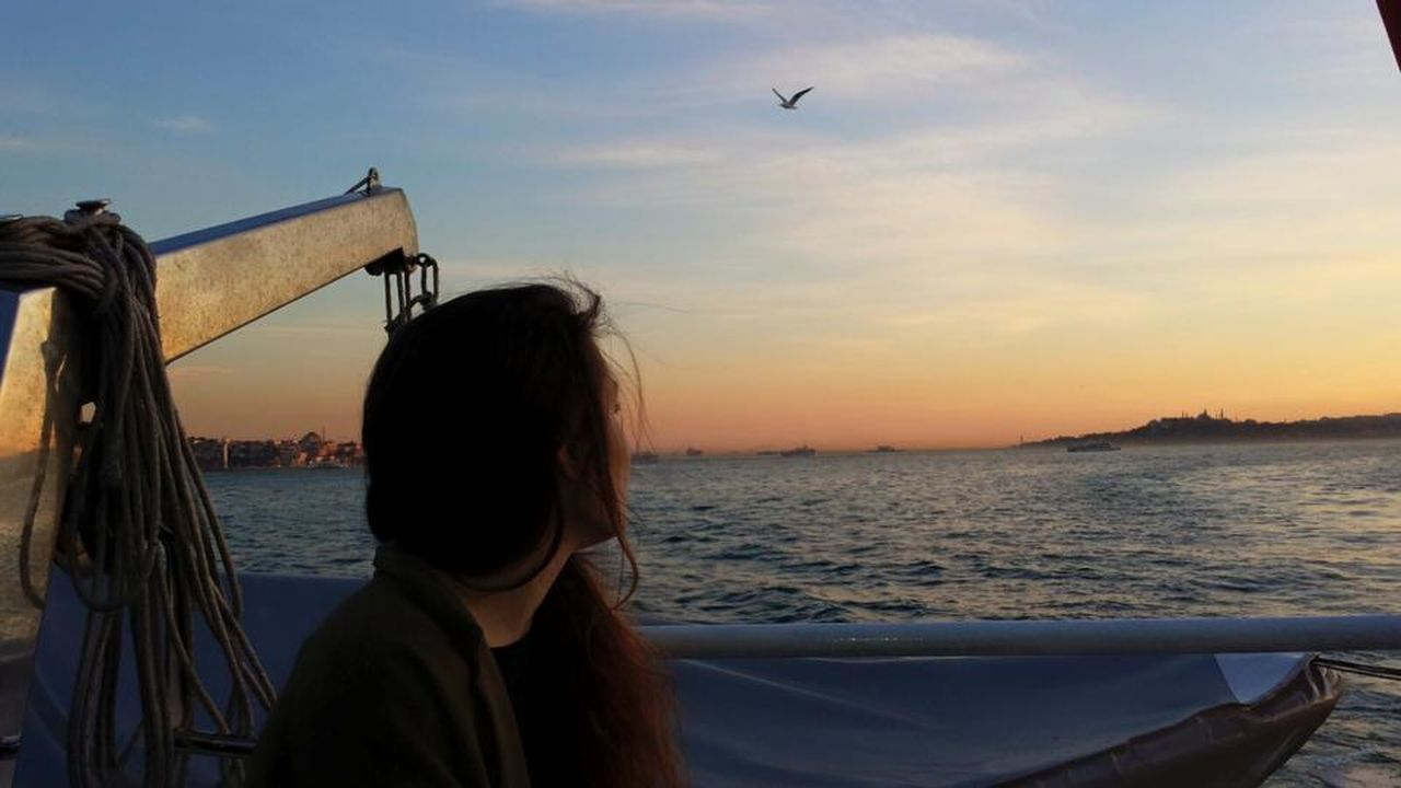 #besiktas #bosphorus #erasmus #ferry #istanbul #seagull Beauty In Nature Cloud - Sky Horizon Over Water Leisure Activity Lifestyles Nature Ocean Outdoors Sea Sunset Tranquil Scene Tranquility Vacations Water Miles Away Women Around The World