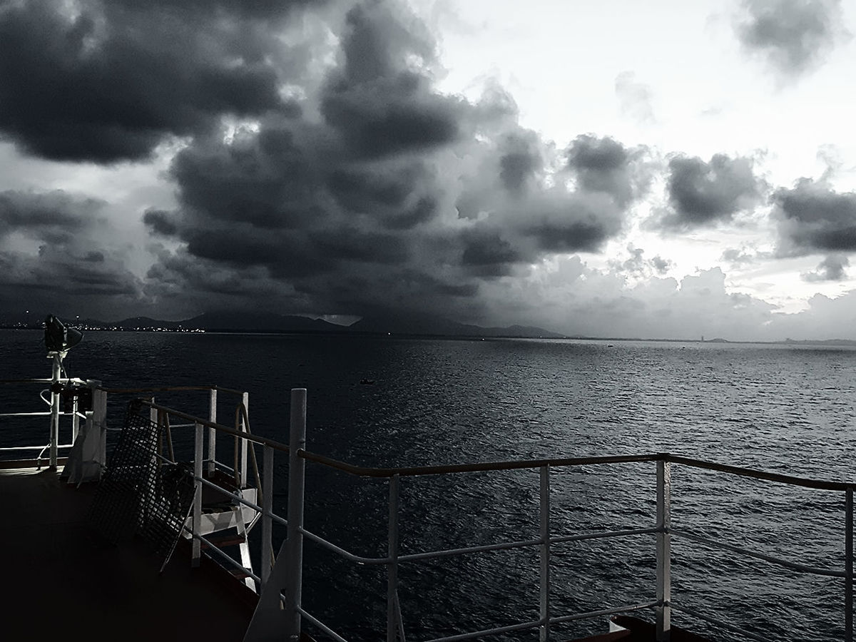Storm Storm Cloud Dramatic Sky Cloud - Sky Thunderstorm Extreme Weather Nature No People Outdoors Beauty In Nature Day EyeEm EyeEm Best Shots Sea Sky Dramatic Sky Nature Welcome To Black Singapore Straits Black & White Black And White Monochrome Photography My Point Of View On The Move