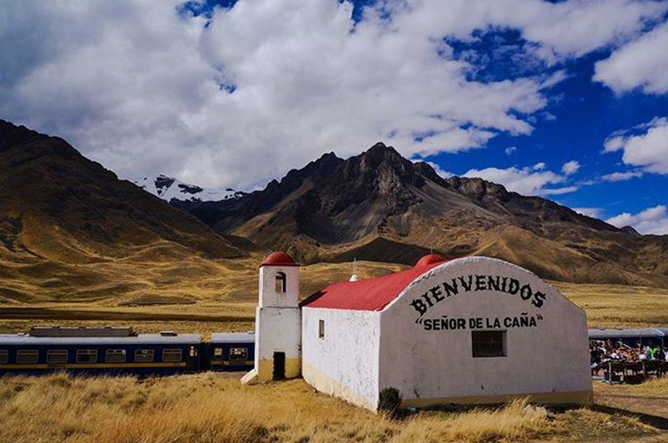 Somewhere between Puno and Cusco . Mountains Train Trainride Landscape Peru SeñorDeLaCaña Bienvenidos Sony Nex5r