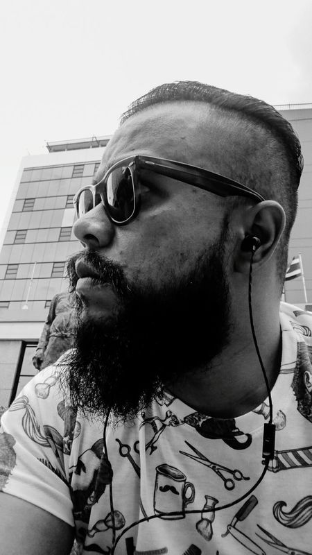 Uniqueness Welcome To Black Beardlife Beardedman Bearded Undercut Ray Ban Sunglases Vintage RayBans! BYOPaper! The Portraitist - 2017 EyeEm Awards Sommergefühle Second Acts Black And White Friday