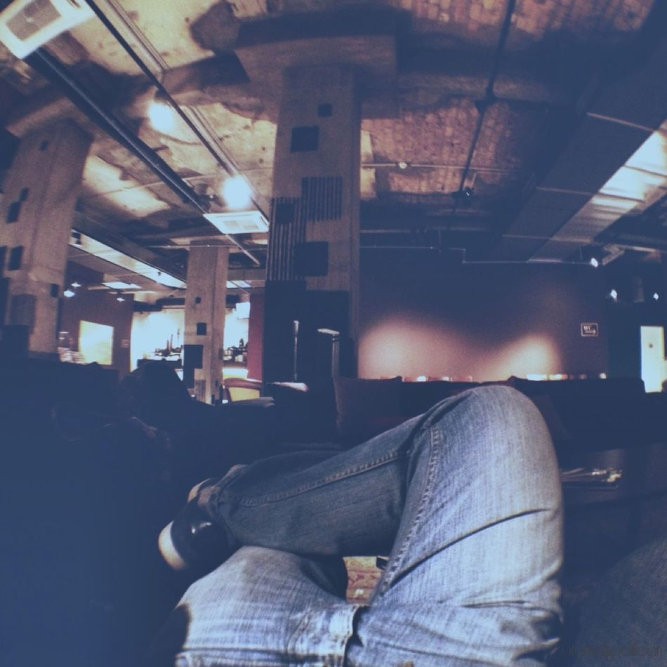 Hanging Out Taking Photos Checking In Vscocam VSCO Getting In Touch Monday People Watching Followme Fisheye