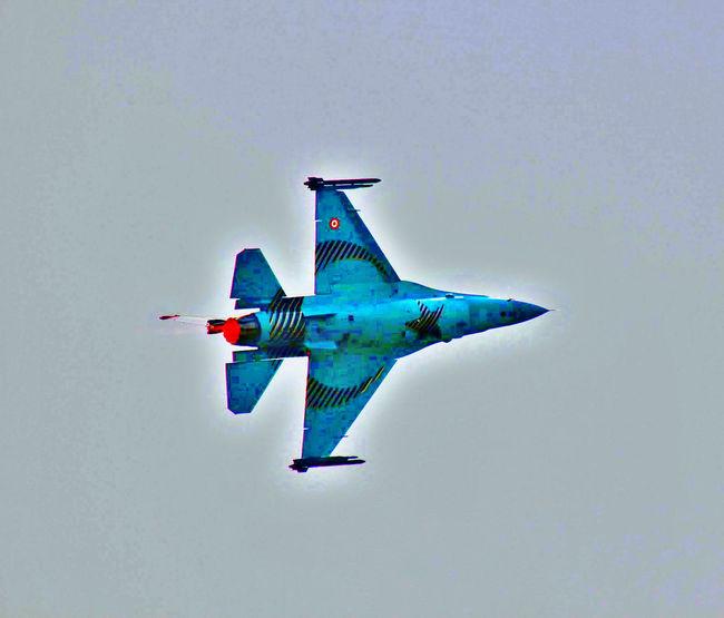 Turkish Fighter plane Beautiful Dangerous Taking Photos Photoshoot Gallipoli koraykaraalioglu.com