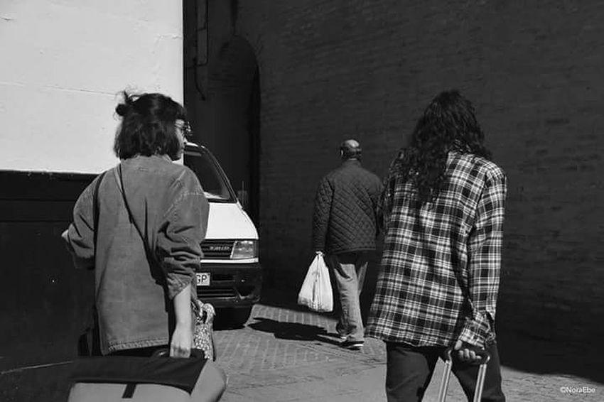 Couple People Street Photo Photographer Walking Around Showcase March