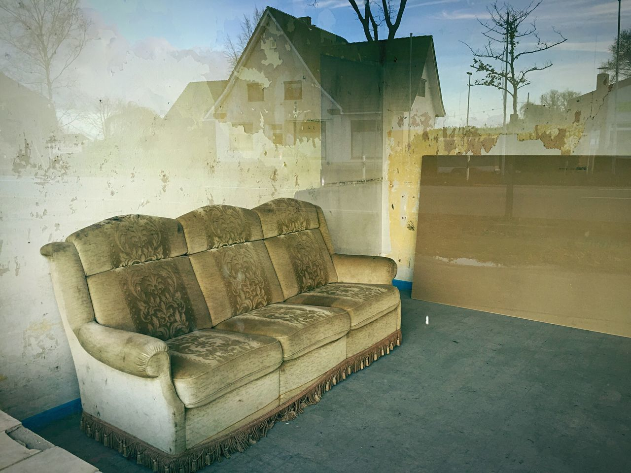 Beautiful stock photos of living room, Abandoned, Absence, Damaged, Day