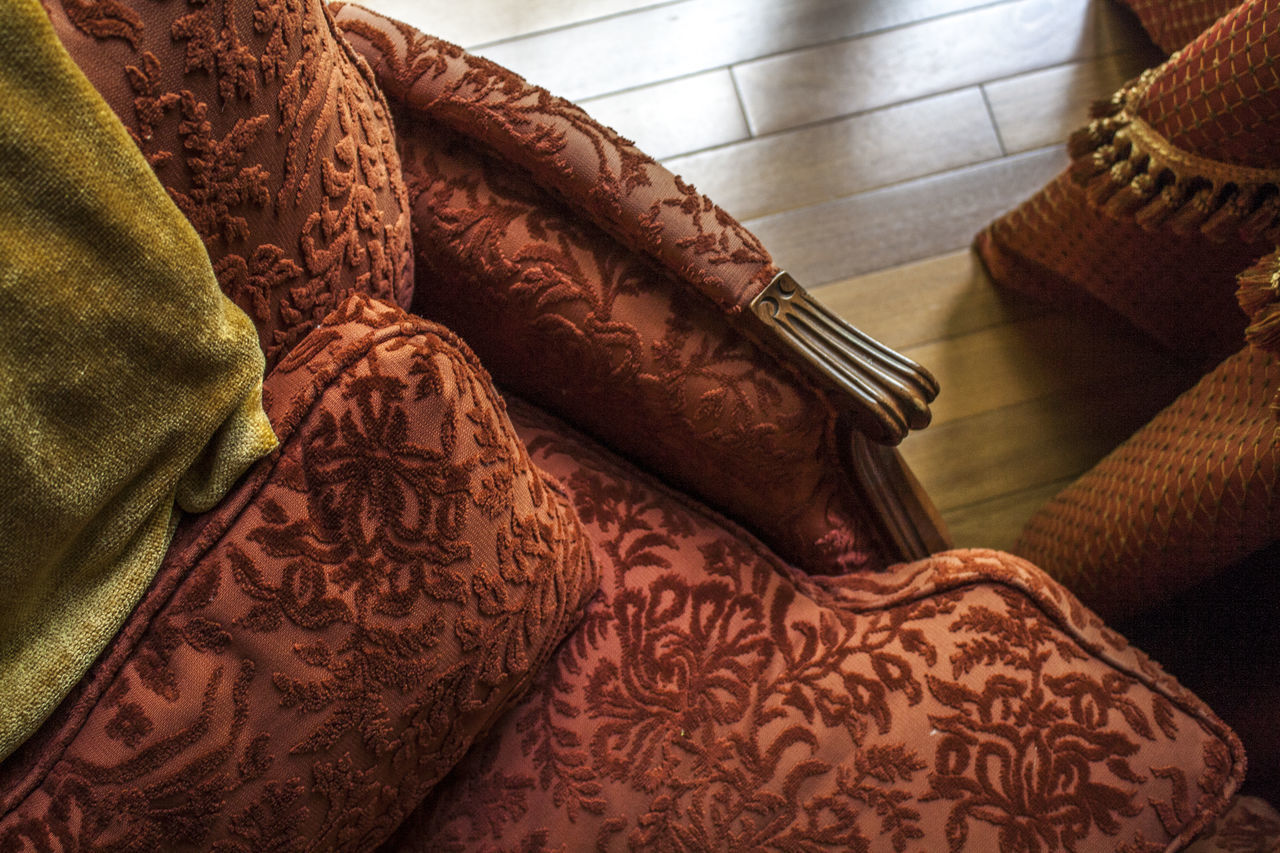 Blanket Comfy  Fabric Gold And Red Hardwood Floor Home Decor Home Design Homey Interior Design Looking Down Mixed Textures Mustard Yellow Reading Time Red Chair Side Table Textile Upholstered Upholstered Chair Velvet Warm Colors Window Light Always Be Cozy