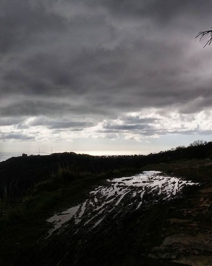Capture. Picoftheday Daygram Outdoor Nature Nature_perfection Genova Italy Clouds Cloudscape Walking Neverstopexploring  Panorama Landscape Amazing Instaday Daily IGDaily Ig_genova Genovamorethanthis Italy Ig_nature Naturelovers Nofilter Nofilterneeded Exclusive_shot emotions rain sky liveauthenitc