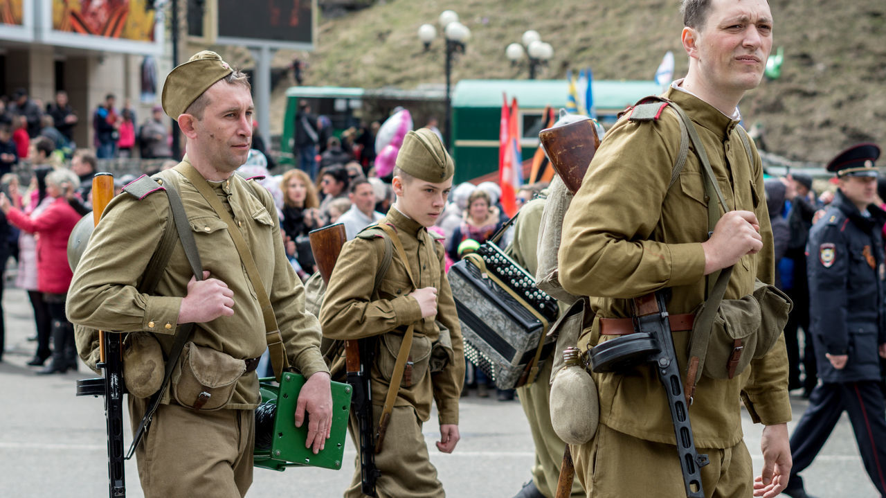 military, war, men, army, army soldier, large group of people, outdoors, day, crowd, adult, people, camouflage clothing, adults only