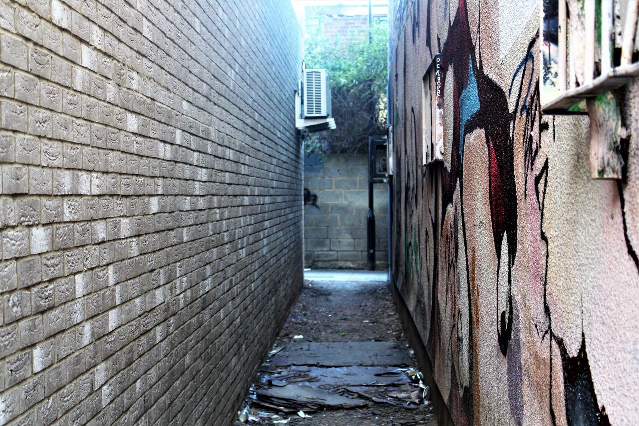 Alleyway Architecture Architecture ArtWork Building Exterior Built Structure Dark Darkness Day Eye4photography  EyeEm EyeEm Best Edits EyeEm Best Shots EyeEm Gallery Hanging Out Nature No People Outdoors Photography Popular Photos Road Spooky Atmosphere Taking Photos The Way Forward