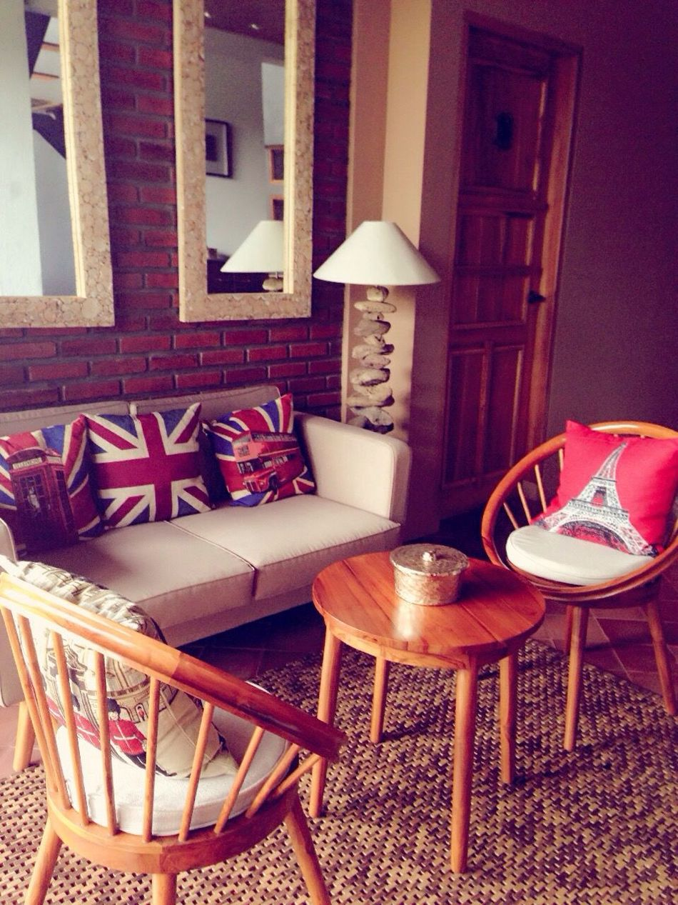 Chair it gives you Something to do... @casa De Apple Bandung Enjoying Life Hanging Out Check This Out