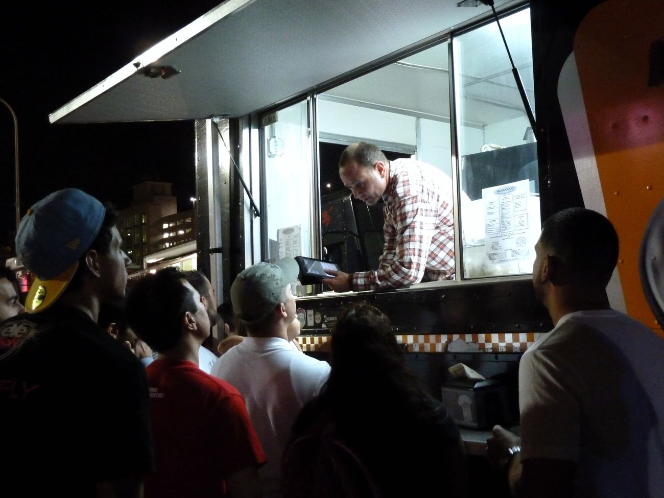 Food Truck Listening Night Photography Ordering At The Counter Ordering Food Queue Queueing Taking Orders Taking Orders At Work