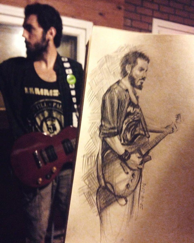 He played, i drew.. Musician Guitarist Sketchbook Sketching Drawing Charcoal Quicksketch Studio Guitar Rocknroll Love