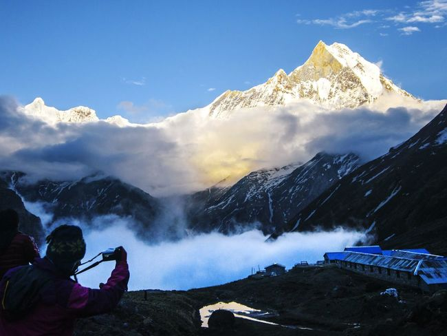 Machhapuchare Himalayas Nepal Annapurnabasecamp Annapurna Conservation Area Trekking Trekking In Nepal Outdoors Photograpghy  Mountains Mountainview Mountains And Clouds Mountain Peak Mountainscape Mountainlove Mountain Landscape Photographer Photographing The Photographer Photographing Photographers Photographing Nature Photographing The Sunset Photographing