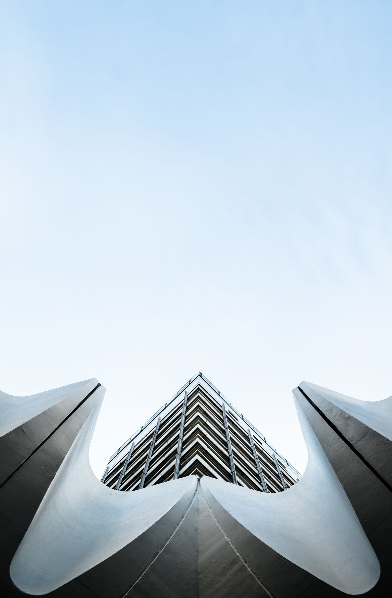 Lookingupforadifferentview Abstract Architectural Detail Architecture Architecture_collection Architecturelovers Building Exterior Buildings & Sky Built Structure Cityexplorer Design Geometric Shapes Geometry Lookingup Low Angle View Minimal Minimalism Minimalist Minimalobsession Pattern, Texture, Shape And Form Showcase March Simplicity Symmetry The Architect - 2016 EyeEm Awards Urban Geometry Urbanphotography