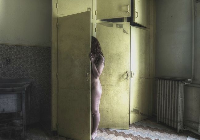 Yellow kitchen... Model Urbex France Decay Pretty Beautiful Beauty Pretty Vintage Old