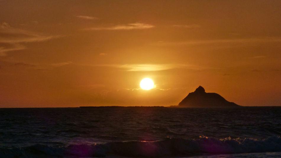 Atmosphere Atmospheric Mood Beach Beauty In Nature Distant Horizon Over Water Idyllic Light Majestic Ocean Outdoors Robert Abbett Scenics Sea Seascape Shore Sun Sunset Tranquil Scene Vacations Water Wave