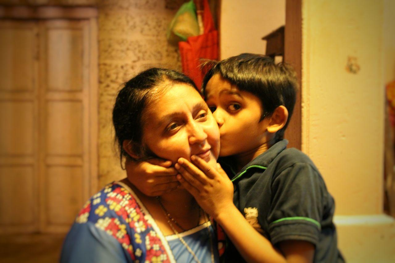Motherlove Cutechild Sweet Moment Love Kiss