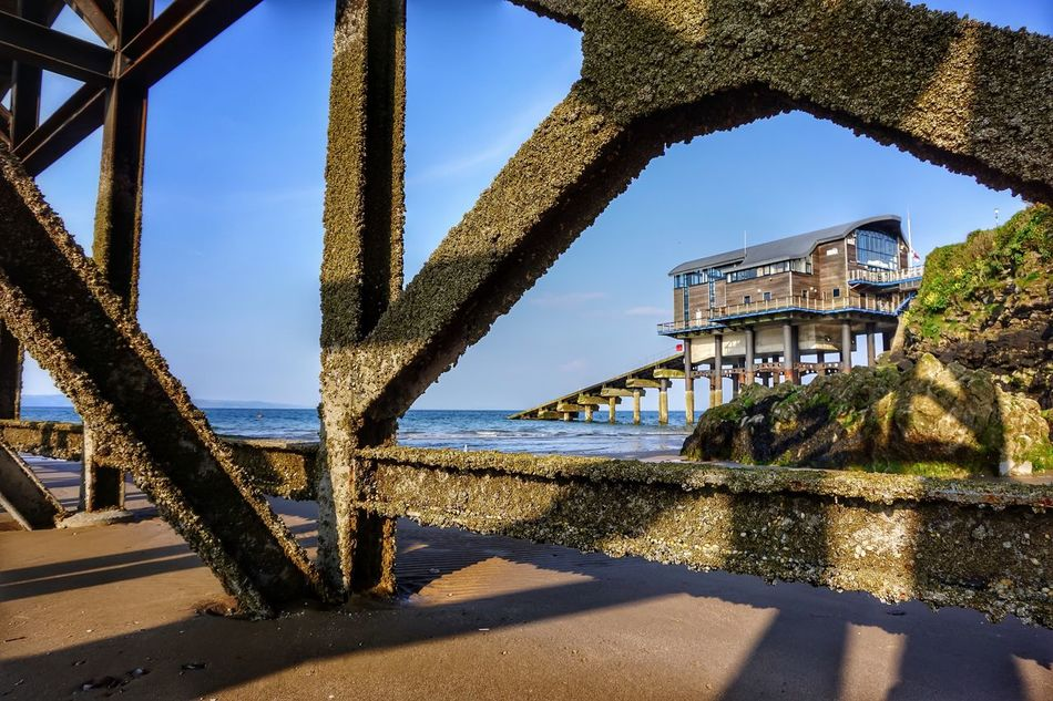 Lifeboat Station... Lifeboat Pier Metal Structure Beach Seaside Seascape Sea And Sky Structure Building Building Exterior Light And Shadow Shadow EyeEm EyeEm Nature Lover Eye4photography  EyeEm Gallery Beachphotography Beach Photography