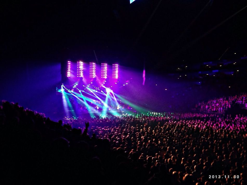 Amy MacDonald Live Music in Cologne Light Show Aida Night Of The Proms