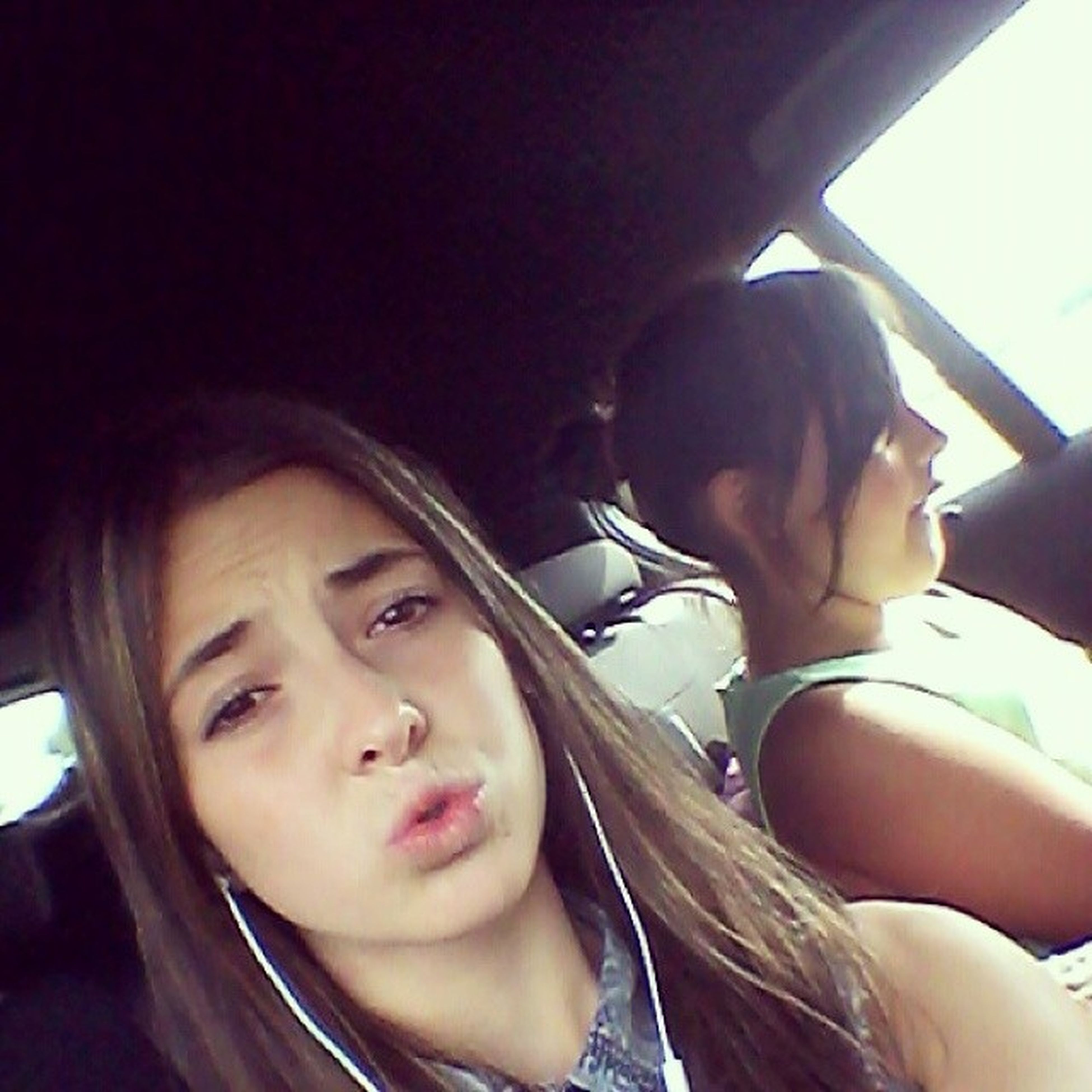 Liebe übersteht alles!♥ Me_and_my_sis Car Urlaub_fahren Mude miss_my_baby♥