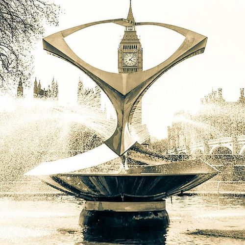 Work place... Fujifilm_xt1 Fujifilm_xseries London Streetphotography Londonforyou Londonbylondoners Stthomashospital