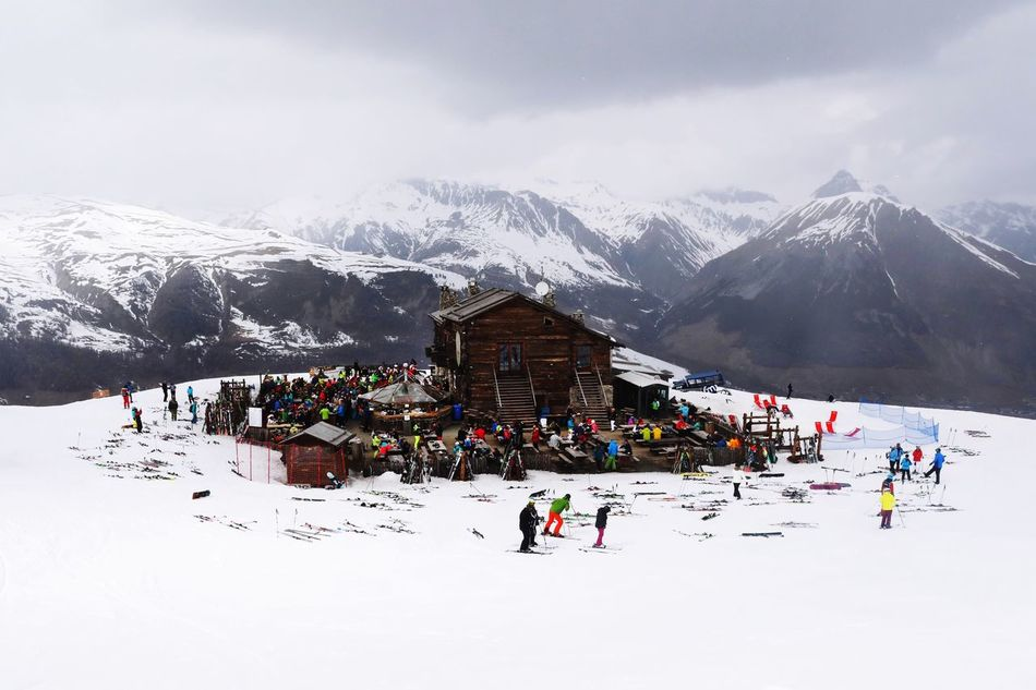 Livigno in Italy Camanel Livigno Italy Snow Mountain Sky Adventure Lifestyles Architecture Winter Streetphotography Street Photography Streetphoto Italia Real People Pub Sport Travel Travelling Holydays Alps Snowboard Eyeem Images The Secret Spaces Ski