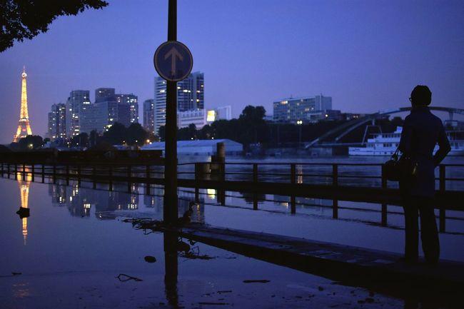 One way Night Nightphotography City Cityscapes Blue Paris Laseine Crue Water Water Reflections Street Road Eiffel Tower