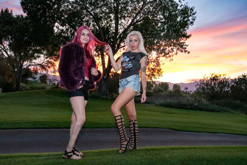 Two People Full Length Grass Women Togetherness Friendship Only Women 2 Women Red Megan Tiina K Beauty Females Elégance Luxury Sunset_collection Sunset Blond Hair Beautiful Woman Redhead Young Women Beautiful People Outdoors Golf Course