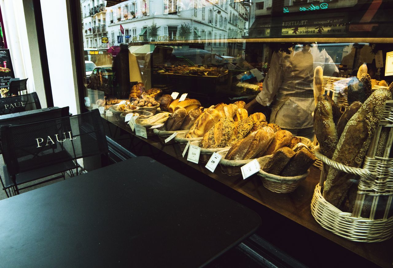 Baguette 🗼 Food Food And Drink Bread Day Traveling Streetphotography Street People Paris Camera Photo Photography Travelphotography EyeEm Gallery Lifestyles Samyang14mm Eyeemphoto Boyfriend Everywhere Bestmoments Bakery Choice Variation Store Freshness